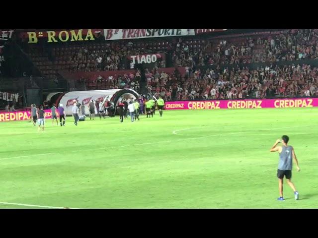Video: el árbitro del Colón- Banfield se fue silbado al descanso