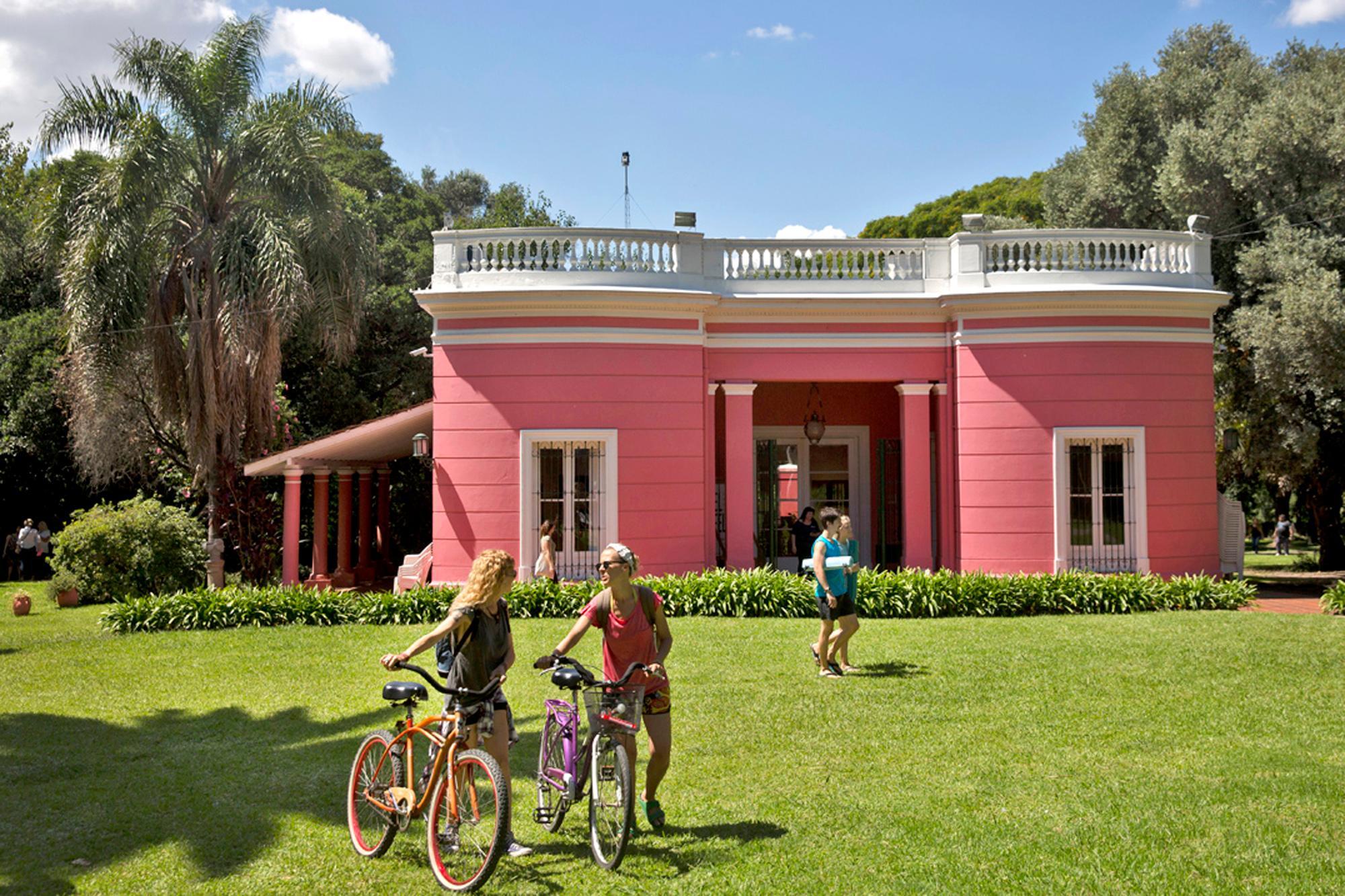 Quinta Trabucco, un refugio verde y artístico en zona norte