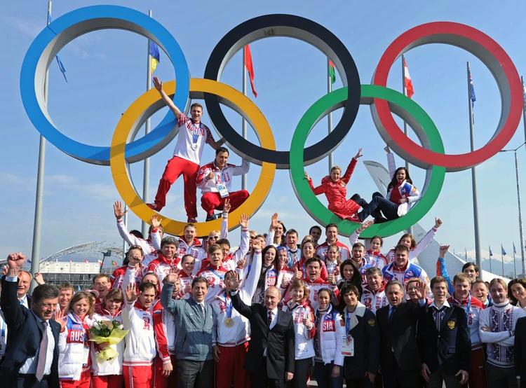 Putin y las 33 medallas: la foto que condenó a Rusia al destierro del deporte mundial
