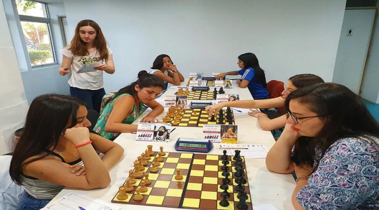 Una denuncia por discriminación frenó la final de las ajedrecistas argentinas