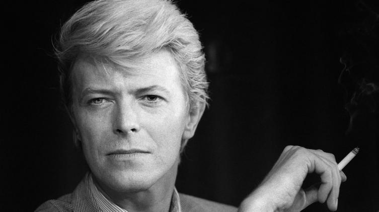 La historia de ?Heroes?, la canción más famosa de David Bowie que ayudó a demoler el Muro de Berlín