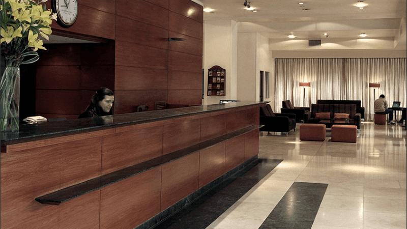 Hoteleros de Rosario reclaman una deuda de 5 millones a una agencia de viajes