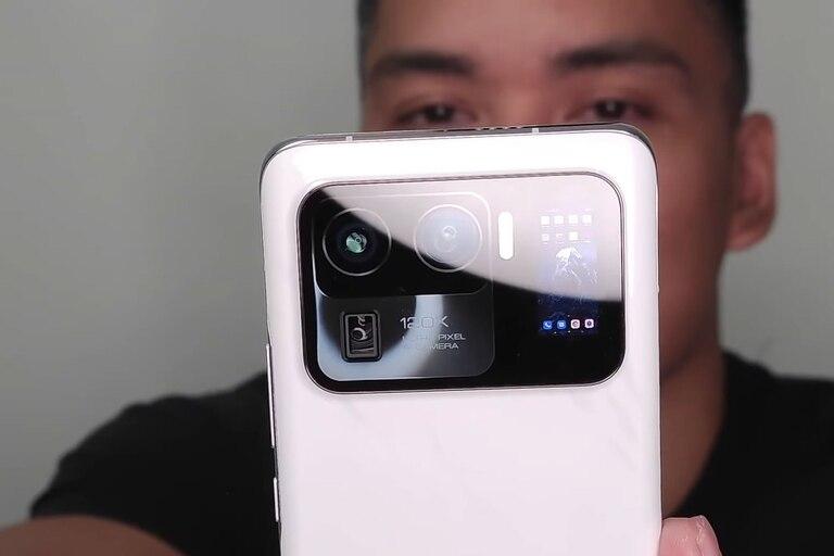 Con pantalla trasera: así es el Xiaomi Mi 11 Ultra con una triple cámara y un display para selfies