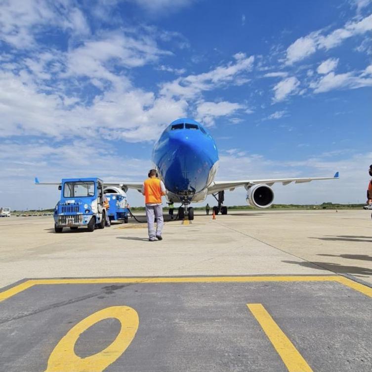 un-nuevo-vuelo-de-aerolineas-partio-a-moscu-para-traer-mas-vacunas
