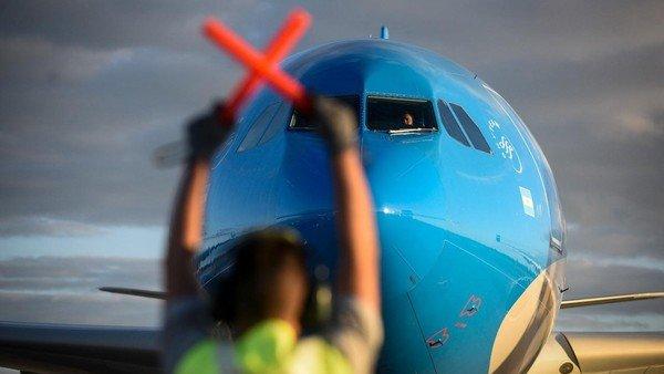 coronavirus:-partio-un-nuevo-vuelo-de-aerolineas-argentinas-en-busca-de-vacunas-a-rusia