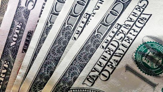 bajo-el-blue-y-el-bcra-compro-dolares-en-la-previa-electoral