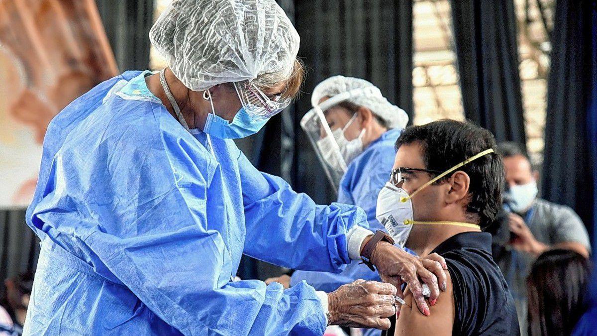 vacunacion-en-la-esquina-encendida:-aplican-1a-y-2a-dosis
