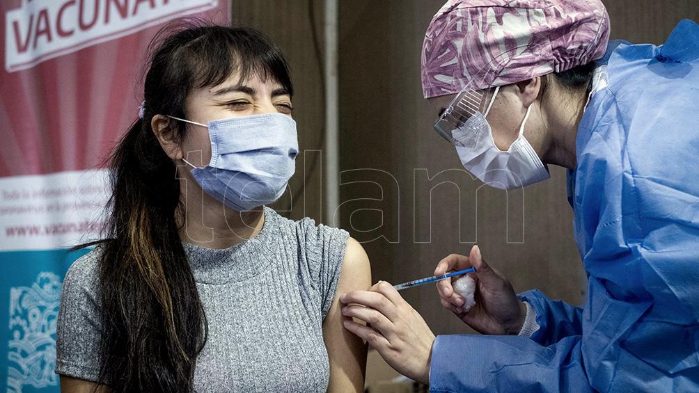 cordoba-comenzara-a-vacunar-a-los-adolescentes-de-17-anos-sin-comorbilidades