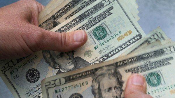 el-dolar-blue-se-vende-a-$-184-y-el-dolar-ahorro-sube-a-$-172